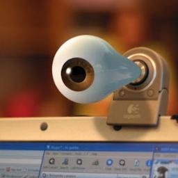 Želite da zaštitite svoju privatnost? Zalepite traku preko web kamere