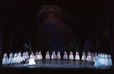 Giselle-Teatro-alla-Scala-ph.-Lelli-Masotti
