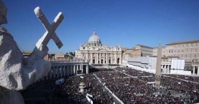 Papa Bergoglio accoglie in Vaticano le stelle della danza