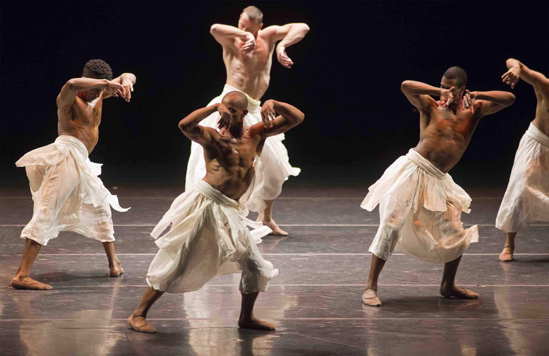 Danza Grupo Corpo, Gira (foto di José Luiz Pederneiras)