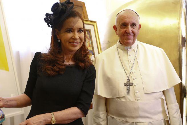 Cristina a la caza de votos católicos