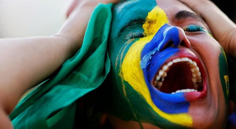 brazilian-lady-crying-770x420