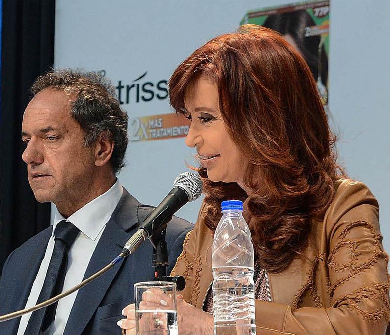Scioli-Cristina y la guerra por el impuesto
