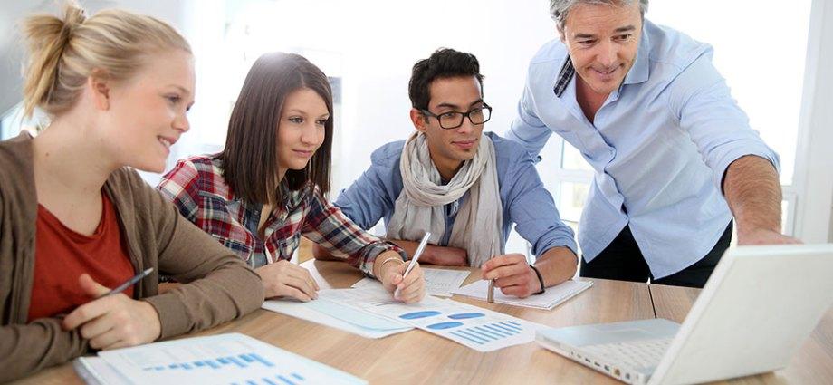 Pelatihan Building Effective Measuring and Managing Customer Satisfaction Process