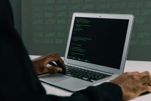 Ciberataque en escuelas: ¿cómo protegerlas?