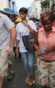 Rihanna-in-BridgeTown-Barbados-December-21-rihanna-33112994-500-800