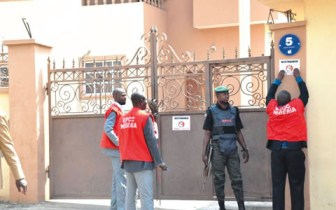 EFCC-operatives-at-work-480x300
