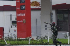 Gunmen-attack-airport-in-east-Congo-at-least-one-soldier-dead