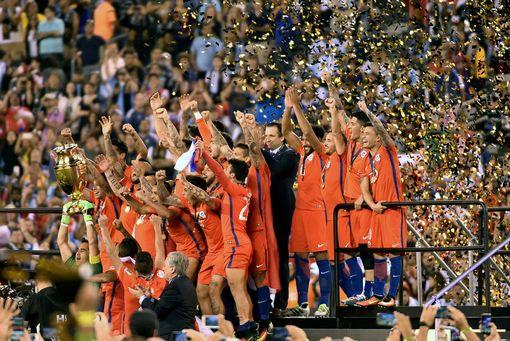 Chile-win-the-Copa-America-Centenario-final (1)