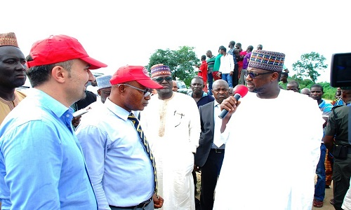 governor-sani-bello-with-contractors