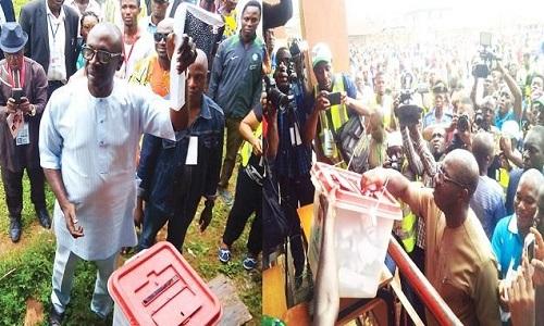 ize-iyamu-and-obaseki-cast-ballots