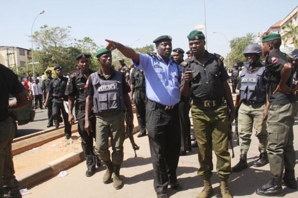 nigerian-police-e1450467498288