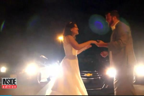 newlyweds-have-first-dance-on-highway-when-traffic-jam-keeps-them-from-reception