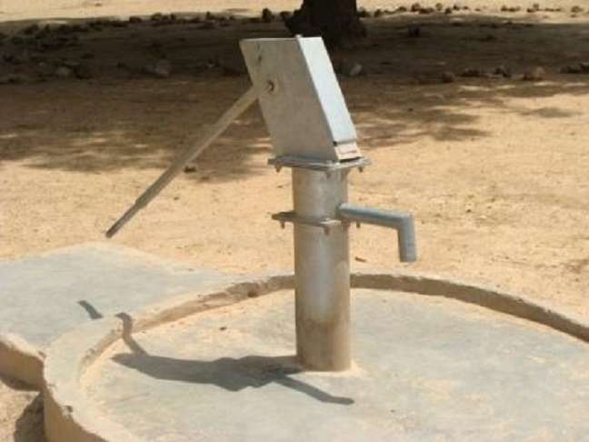 borehole - Gateman rejects house gift from the boss he served for 25 years – See what he asked for instead