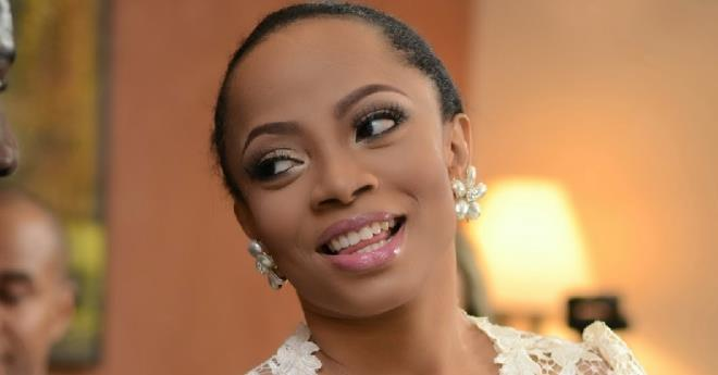 Toke Makinwa helps a follower cover the cost of his school handouts 2