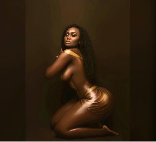 Kenya Booty Queen Bares Nked Body In Arousing Photos -6887
