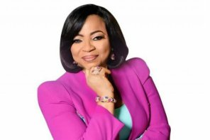 Nigerian Billioniare Folorunsho Alakija Gets Dragged on Twitter and It's Messy