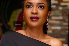 Omoni Oboli Gifts Toyin Abraham A Pot Of Soup – See Her Reaction
