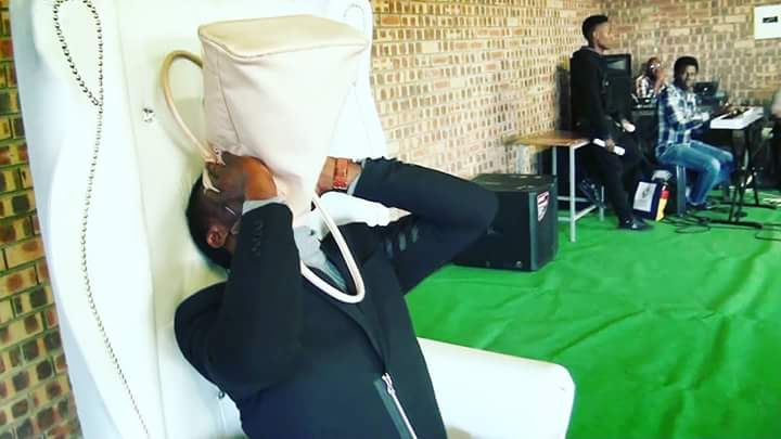 "pastor vomits miracle money during church service video 1 - Pastor vomits ""miracle money"" during church service (Wacth Video)"