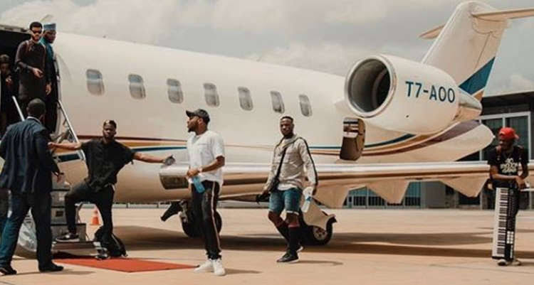 fans mock davido over his private jet ownership - Davido, 21 Savage to perform in Philadephia, Roots Picnic