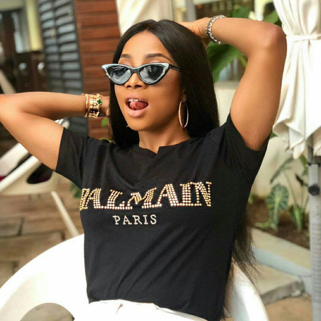 wow toke makinwa rides a camel for the first time ever in dubai photo - We are all tested differently and heal differently – Toke Makinwa