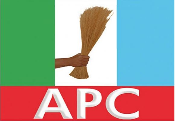 PDP Chairman Defects To APC As 12 Presidential Candidates Withdraw for Buhari