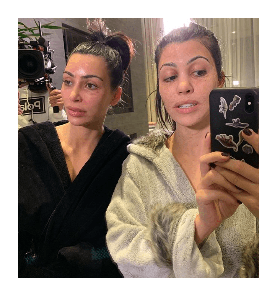 1 80 - Unbelievable! The internet is having a meltdown because of this makeup-free photo of Kim and Kourtney Kardashian