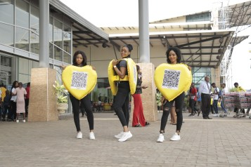 Lovebox2 - Nkem Owoh, MTN, Samsung, celebrate Valentine's Day with a difference at Enugu mall in #MTNLoveBox campaign