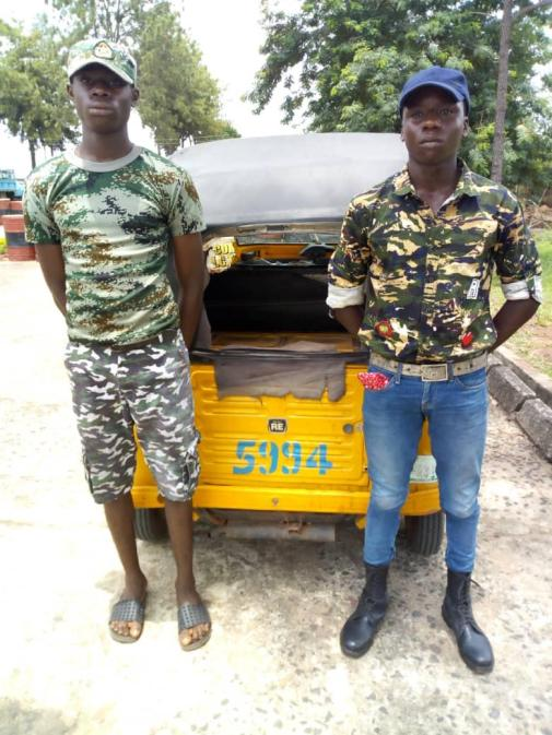 D1TdGllWoAQ 1Gt - See pictures of fake military officers on parade during elections