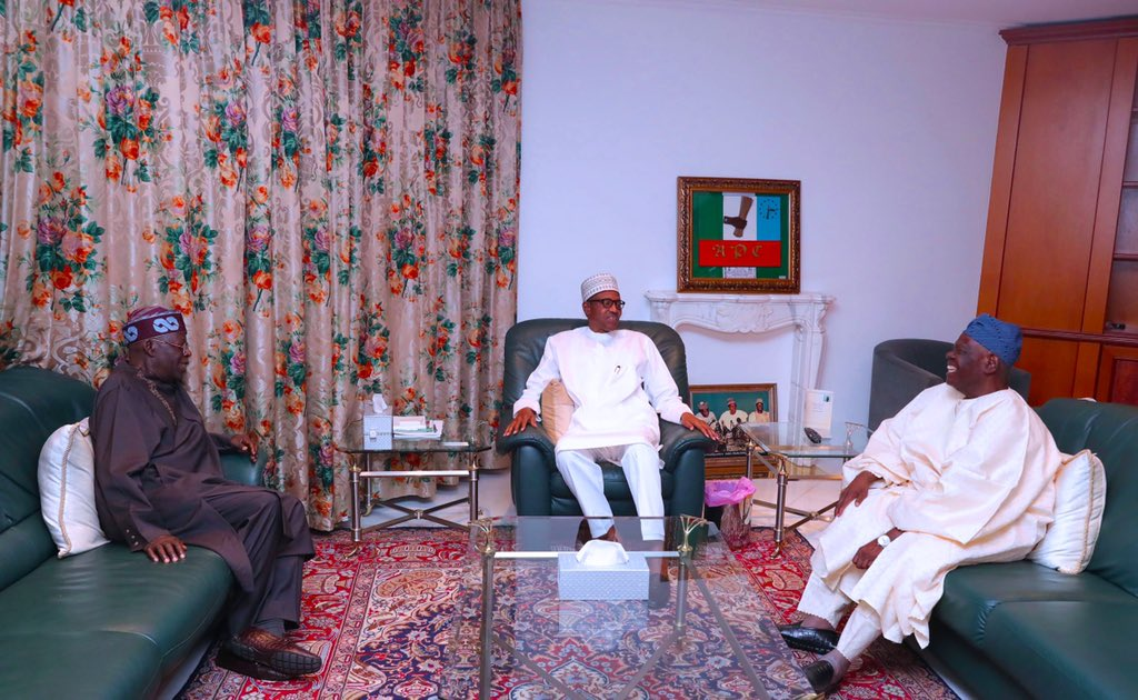 D2BFbwCX0AYulKn - Just In: President Buhari meets service chiefs over security threats