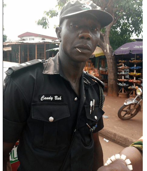 k 9 - [Photo]: Man allegedly assaulted by a police officer over N100