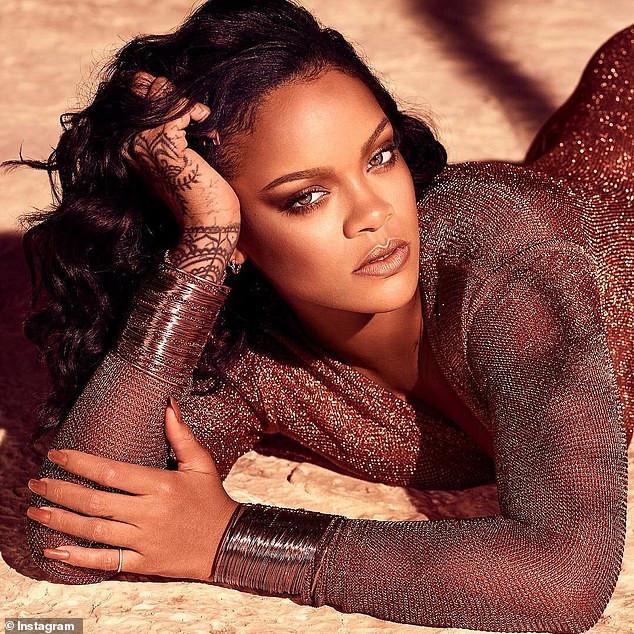 [Photos]: Rihanna oozes major sex-appeal in new photos