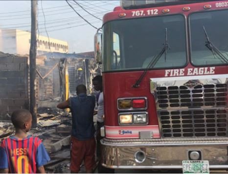 9133073 5ca995a4bbe55 jpega9ceb296f87802b14b93dbc4ab798ed5 1 - See Pictures: Fire outbreak destroys market in Lagos