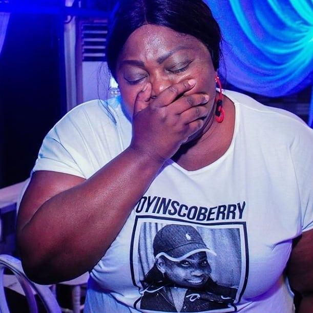 9184277 565806421365206440721514698583582401787721n jpegc8734d57b692122dc6f08e5e14278d20 - [Pictures] Eniola Badmus Breaks Down in Tears at Friend's Burial