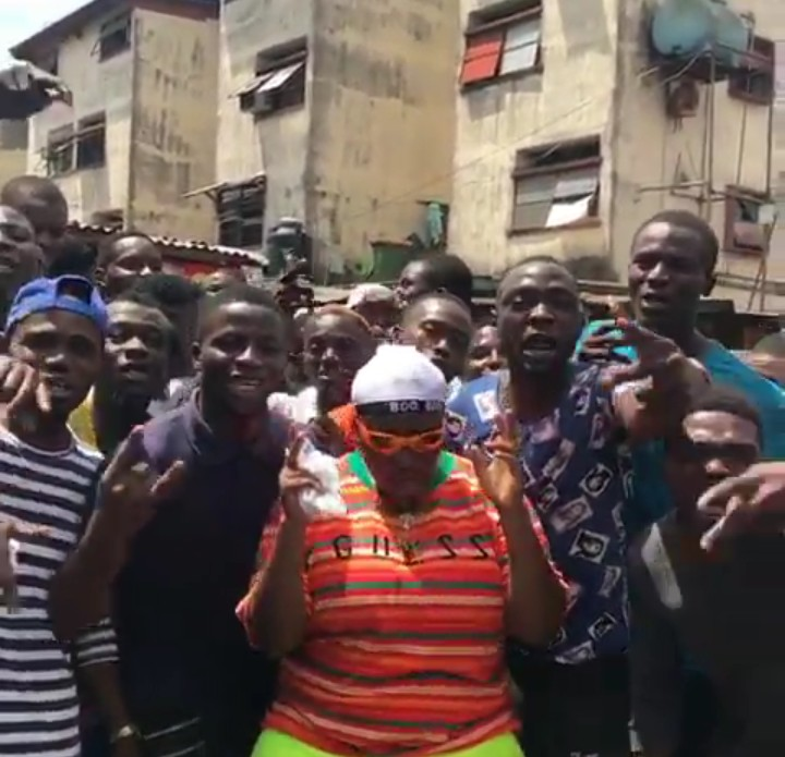 9187698 screenshot201904151634482 jpegffe3a971b7a2f4a0a944e1ae07d8f398 - Singer Teni Gets Mobbed by Fans in Lagos