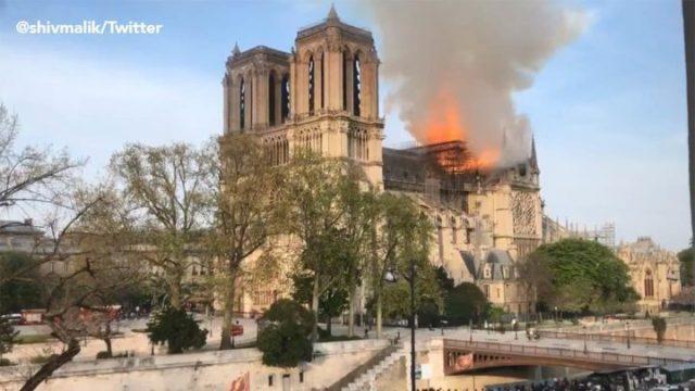 FD136FC8 217B 4544 96D5 24D60A9BA52E - [Photos]: Notre Dame: Major fire ravages Paris cathedral