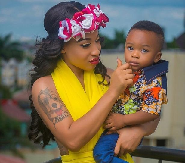 """ If You Can't Wish You Estranged Husband A Happy Fathers Day, Then How Would You Honor Jesus With Merry Christman???"" - Nollywood Actor Queries Tonto Dikeh"