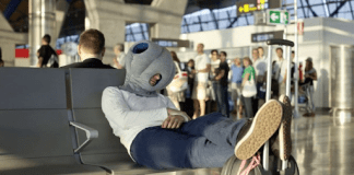 How to Kill Time on a Long Overlay at an Airport