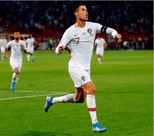 Ronaldo Scores Hatrick To Set New Goal Scoring Record (Video)