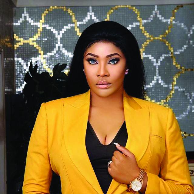 Actress, Angela Okorie Twerks To Davidos Risky (Video)