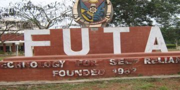 Video: FUTA Students Gang Up To Beat 100 Level Female Student