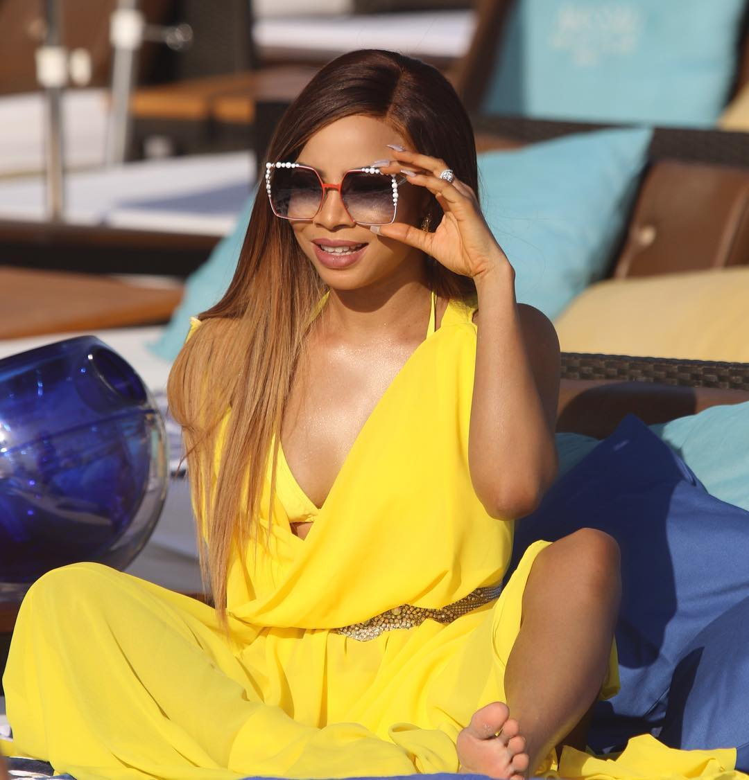 I Am A Slay Queen And Looking Good Is Serious Business – Toke Makinwa Slams Naysayers (Picture)