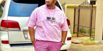 Coronavirus: Don Jazzy In Dilemma As People Rush To Him For Hugs And Kisses