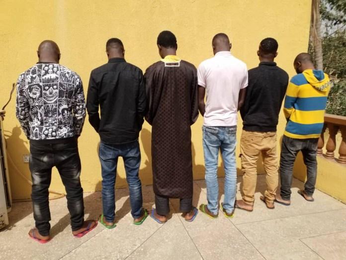 Police arrest internet fraudsters