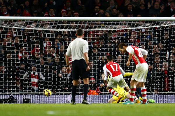Alexis Sanchez Grabbed a Late Winner for Arsenal Against Southampton at the Emirates Stadium. Image: AP.