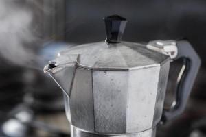 Italian-coffee-king-Renato-Bialetti-buried-in-coffee-pot