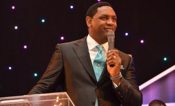 Video: Warch Moment Pastor Fatoyinbo climbed the pulpit during service today