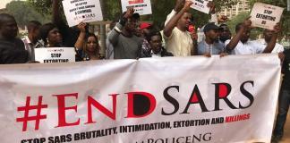 Nigerians protesting against SARS