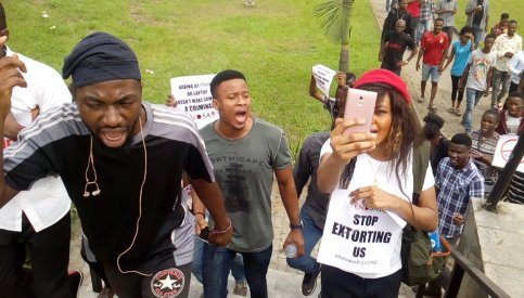 Angry Nigerian Youths Protesting Against SARS Harassment