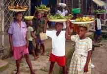 Photo of school children Hawking